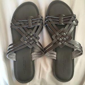 NWOT AE black sandals size 9